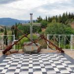 Крест у Малореченского храма